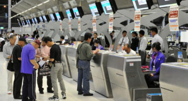 airport-staff